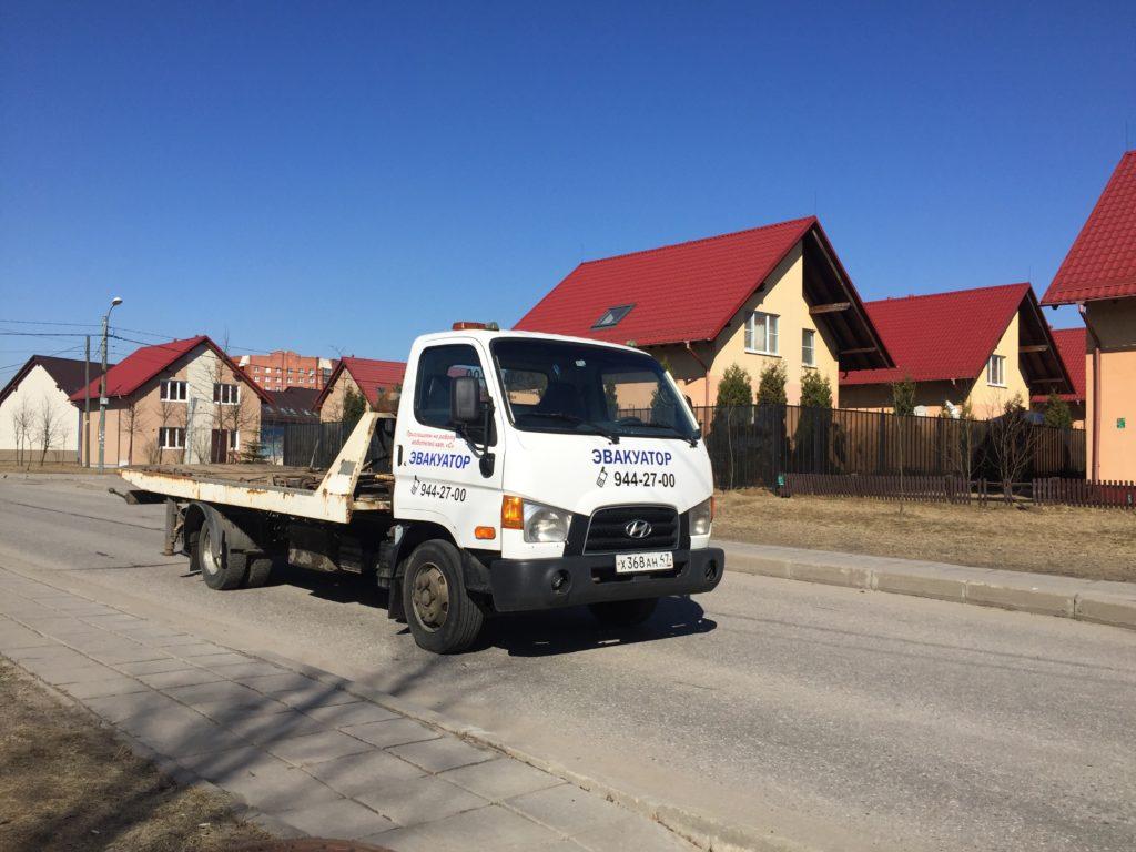 Недорогой эвакуатор в Колпино от 1000 руб. Заказать эвакуатор можно по телефону 944-27-00