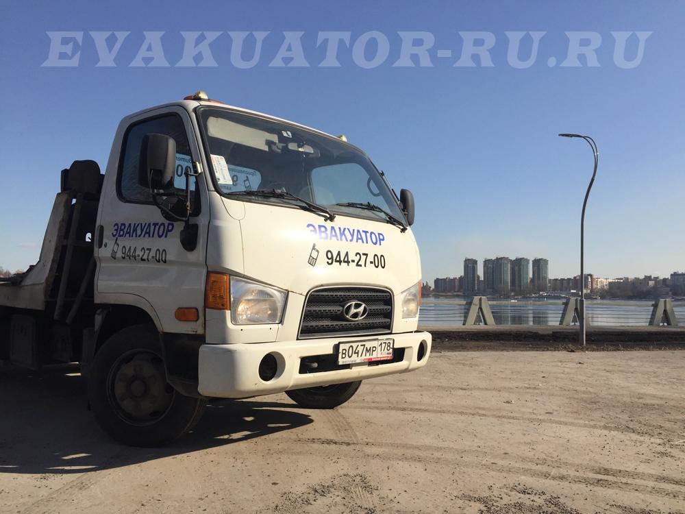 Услуги эвакуатора в Невском районе недорого от 1000 руб/час.