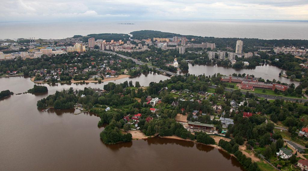 В городе Сестрорецке Курортного района заказать эвакуатор от 1000 рублей по нашему телефону 944-27-00