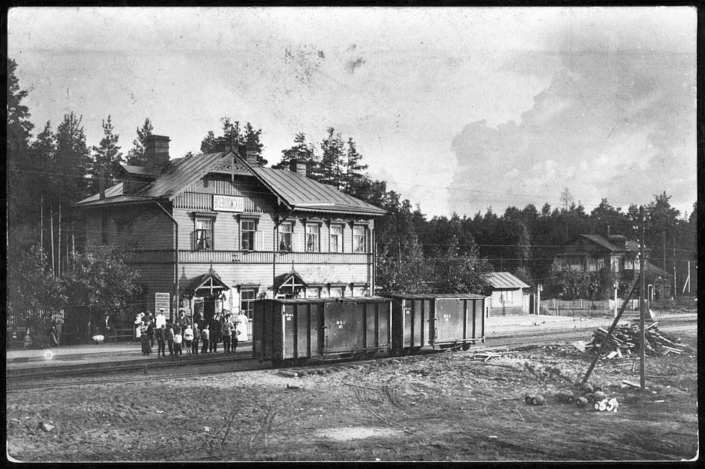 Постройка станции Всеволожской на Ириновской железной дороге повлекло основания города