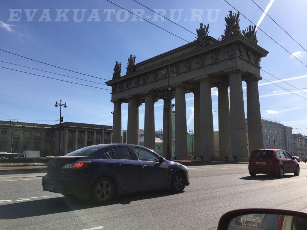 Вызвать эвакуатор по Московскому району дешево от 1000 руб/час . Эвакуация вашего автомобиля качественно