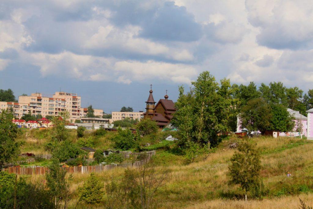 Рядом с городом Никольское находится город Колпино
