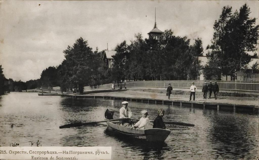 По приказу Петра I в Сестрорецке в 17 веке построили летний дворец