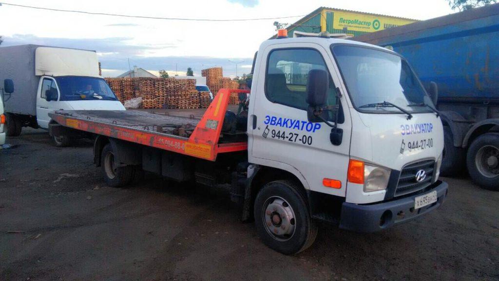 Услуги эвакуатора в городе Тосно от малолитражке до больших грузовиков, спецтехники