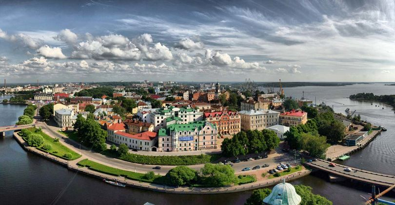 ГородВыборг административный центр Выборгского района Ленинградской области.