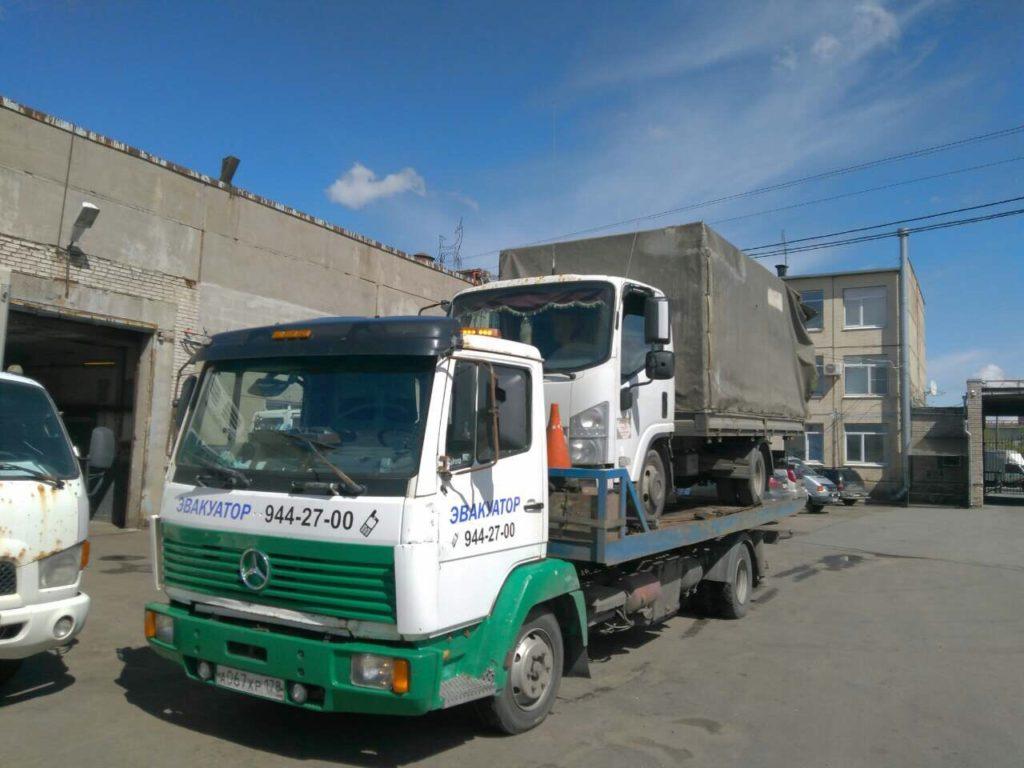 Услуги эвакуатора в Зеленогорске по доступным ценам.